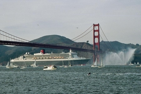 El barco Queen Mary 2 en San Francisco
