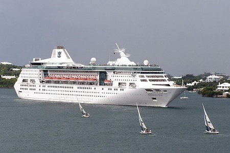 El Empress of the Seas en St George's, en octubre de 2007