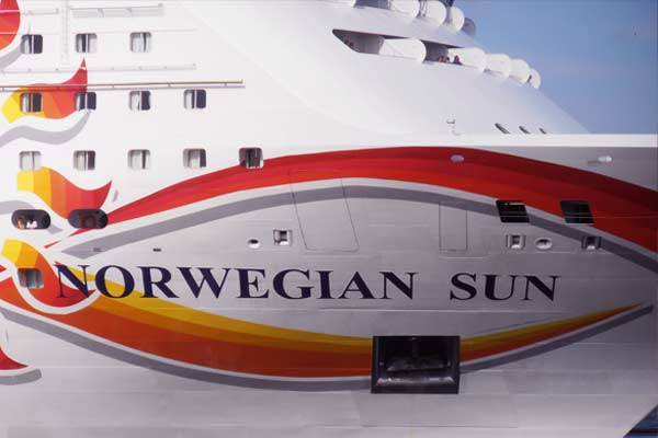 construccion del Norwegian Sun