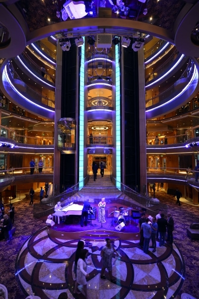 Royal Caribbean regresa a Emiratos con el Splendour of the Seas - CruceroAdicto.com