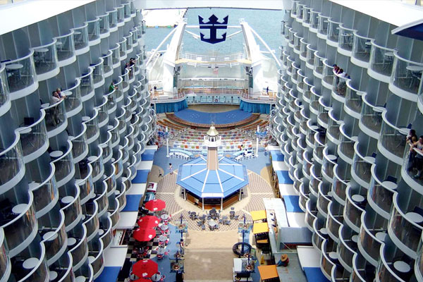 Clase Oasis Royal Caribbean