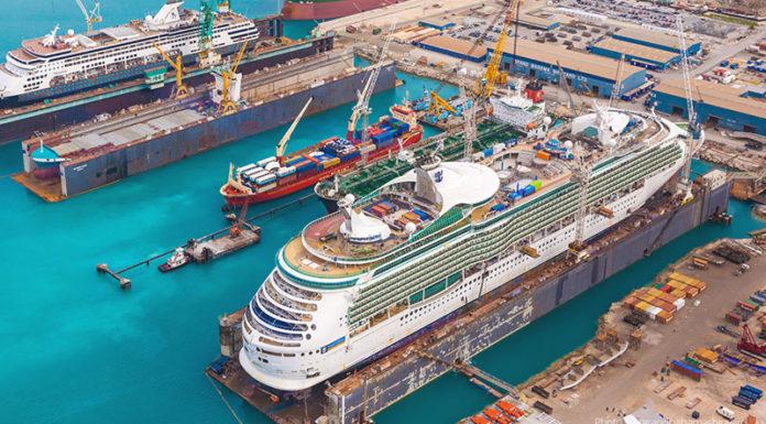 Adventure of the Seas sale de astillero