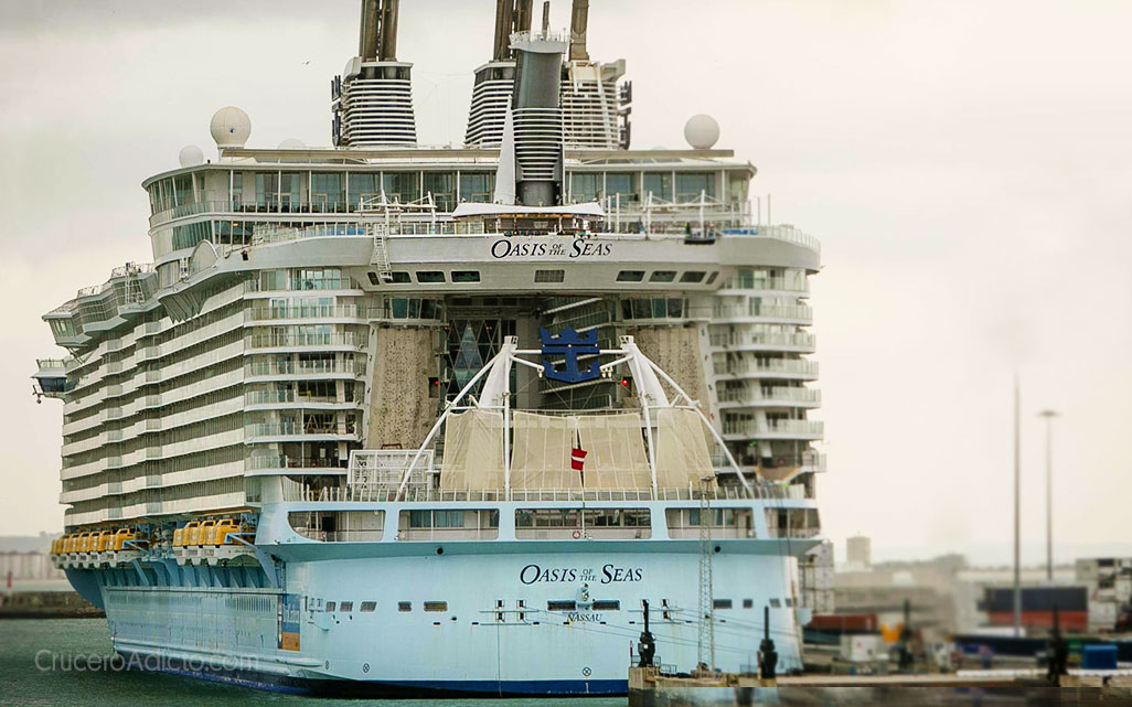 Oasis of the Seas en Cadiz